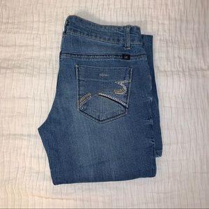 L.e.i. Flared low rise jeans